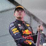 Verstappen vince in casa dominando Hamilton, Ferrari in ripresa
